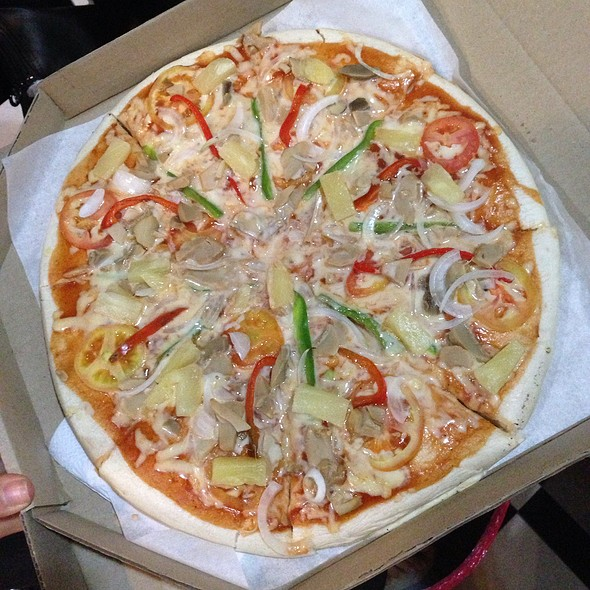 Garden Fresh Pizza @ Dexter's Pizza (Makati)