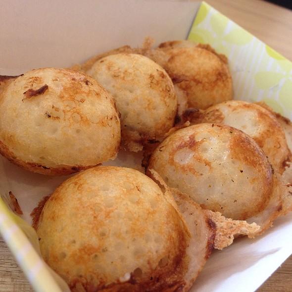 ขนมครก | Coconut - Rice Pancake @ ก๋วยเตี๋ยวไก่ แม่ศรีเรือน