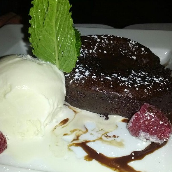Chocolate Lava Cake - Frankie & Johnnie's Steakhouse - Manhattan, New York, NY