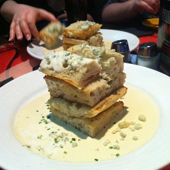 Garlic Bread - Michael Jordan's Steak House - Mohegan Sun, Uncasville, CT
