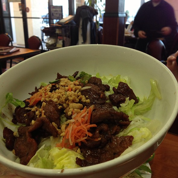 Vermicelli With Bbq Beef @ Pho Huynh Hiep 3 - Kevin's Noodle House