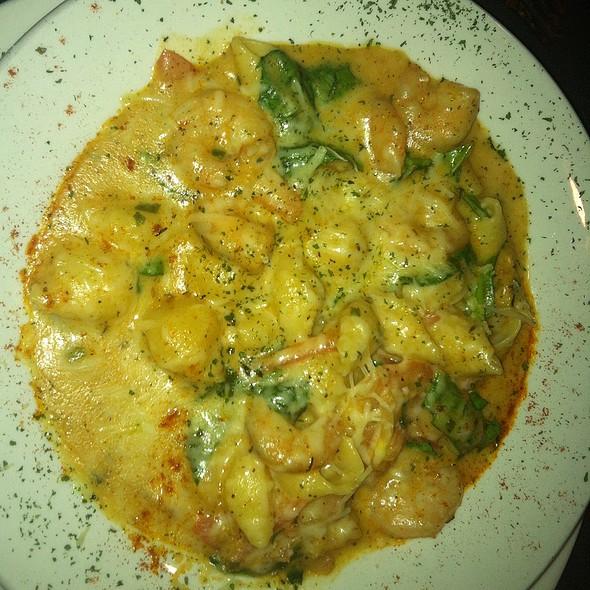 Shrimp Pasta @ Bistro Byronz