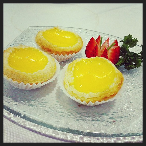 Egg tarts  @ Red Star Seafood Restaurant