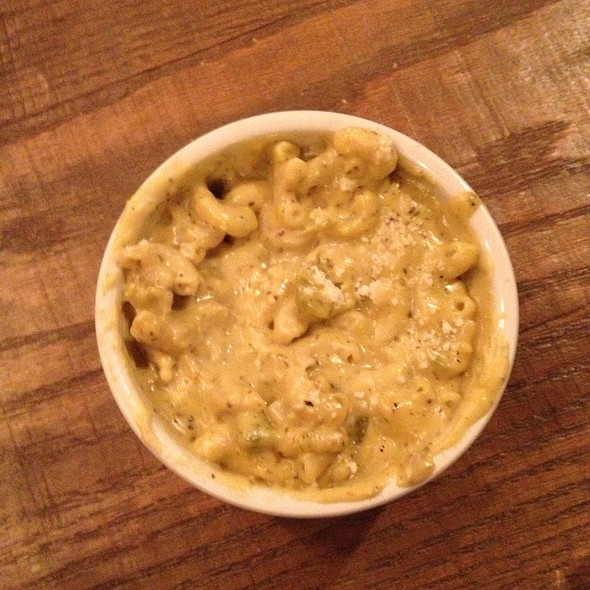 Green Chili Mac & Cheese @ Mexicue