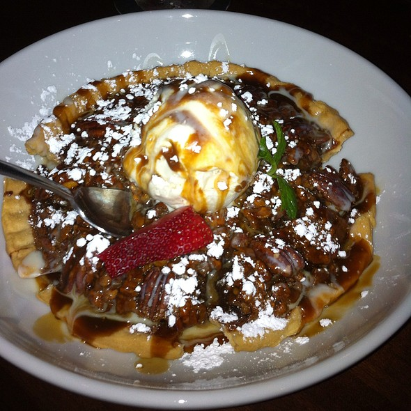 Sweet Potato Pecan Pie @ Moonshine Patio Bar & Grill