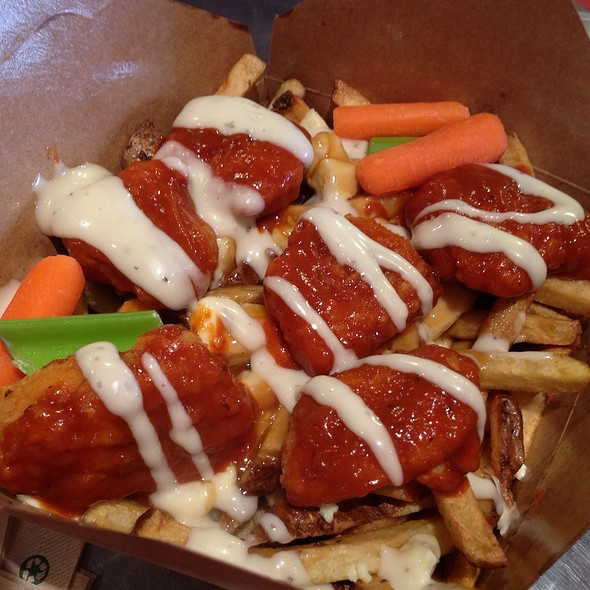 Boneless Buffalo Chicken Poutine @ Smoke's Poutinerie