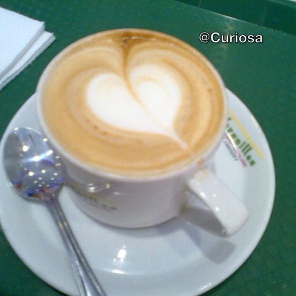 Café Con Leche @ Versailles