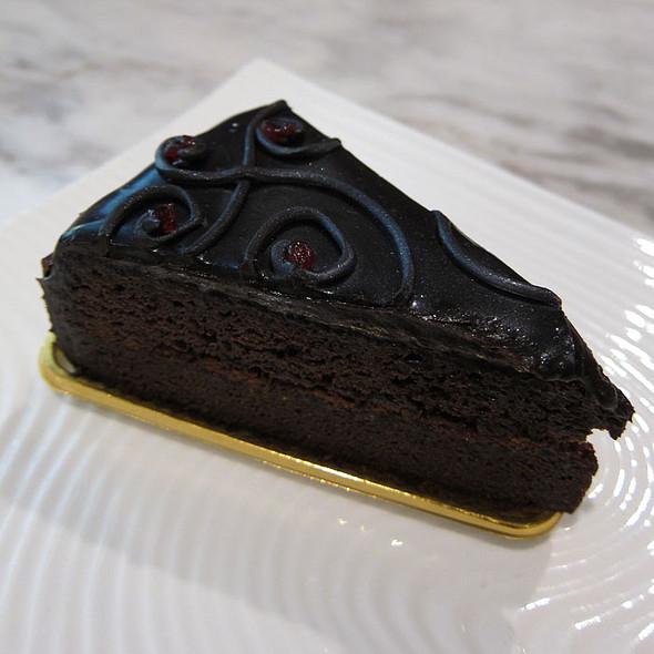 Heavy Chocolate Cake @ Midvalley Megamall