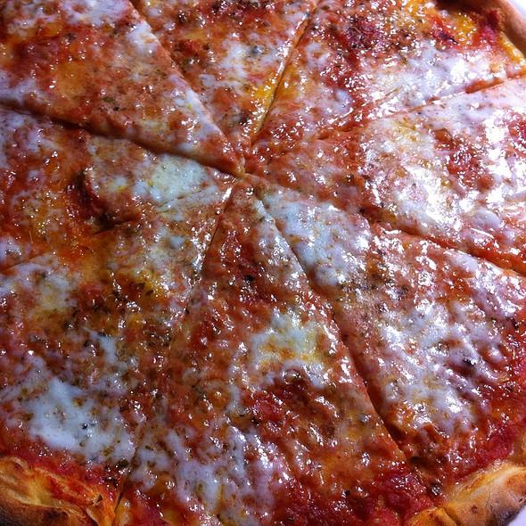Homemade Pizza Margherita @ Home