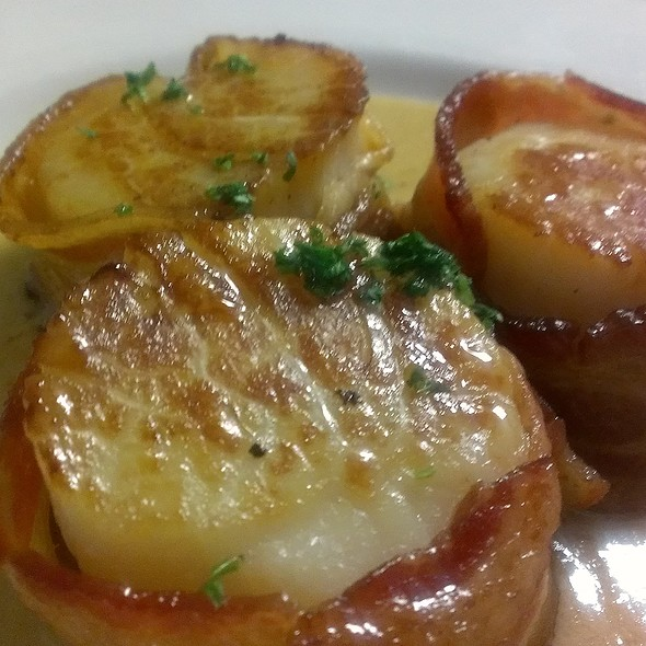 Bacon Wrapped Sea Scallops - Mo's a Place for Steaks - Houston, Houston, TX