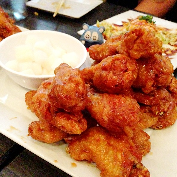Soy Garlic Chicken Wings @ Bonchon
