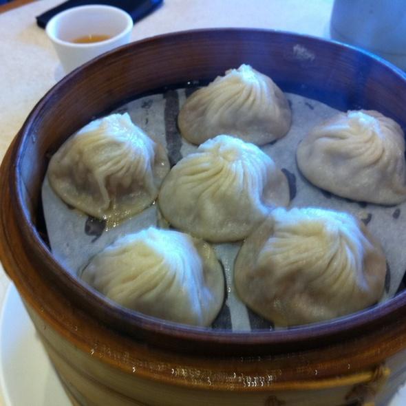Soup Dumplings @ Ding Tai Fung Shanghai Dim Sum