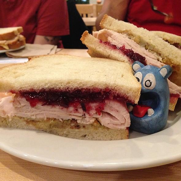 Nobadeer Sandwich @ Jetties Bethesda
