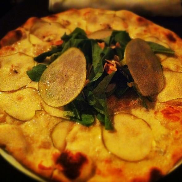 Pizza Pera Y Almendras @ Trattoria Giacovanni