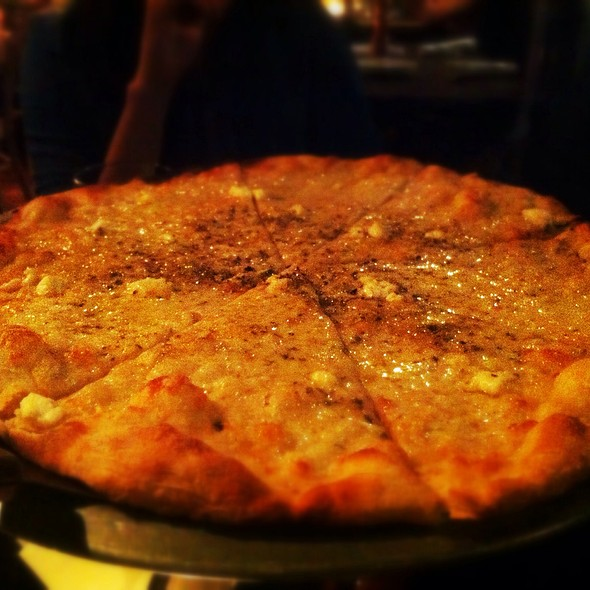 Pizza Quattro Formaggi @ Trattoria Giacovanni