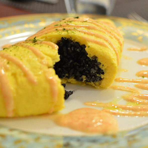 Mixed Seafood and Sweet Bell Pepper Omelette Rice (Squid Ink) @ Niji Bistro, Noritake - Gifts
