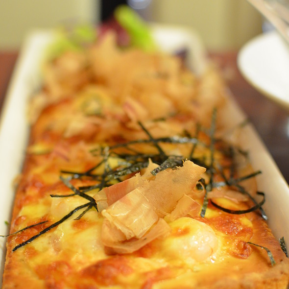 "Fukuoka Mentaiko and Shrimps ""Long Pizza""  @ Niji Bistro, Noritake - Gifts"
