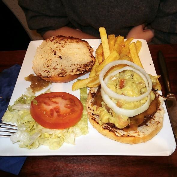 California Burger @ Mad café