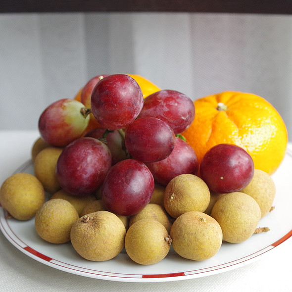 Longan, grapes and clementine