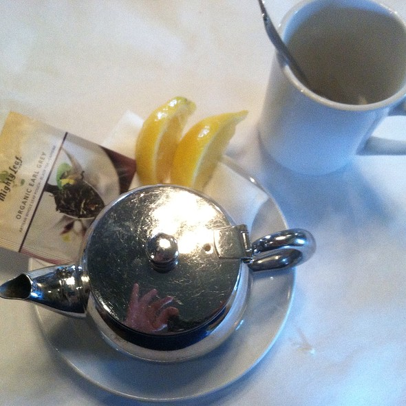 Earl Grey Tea - Mere Bulles, Brentwood, TN