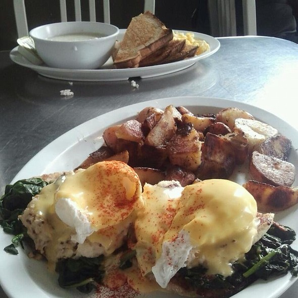 Crab Cakes Benedict @ Highland Bakery