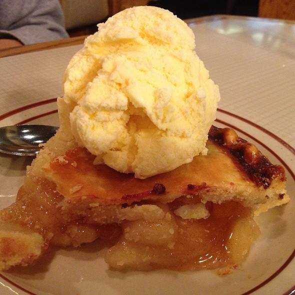 Apple Pie @ First Street Family Restaurant