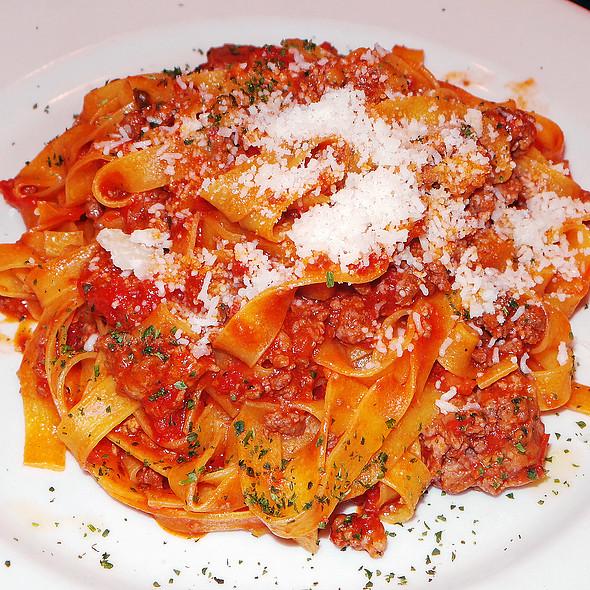 Fettuccine Mamma-Nona Munda - Via Della Pace, New York, NY