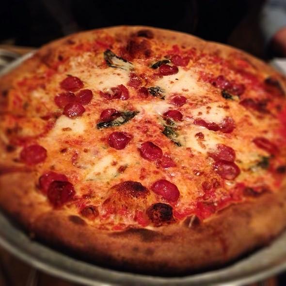 Pizza Margherita @ Ammazza