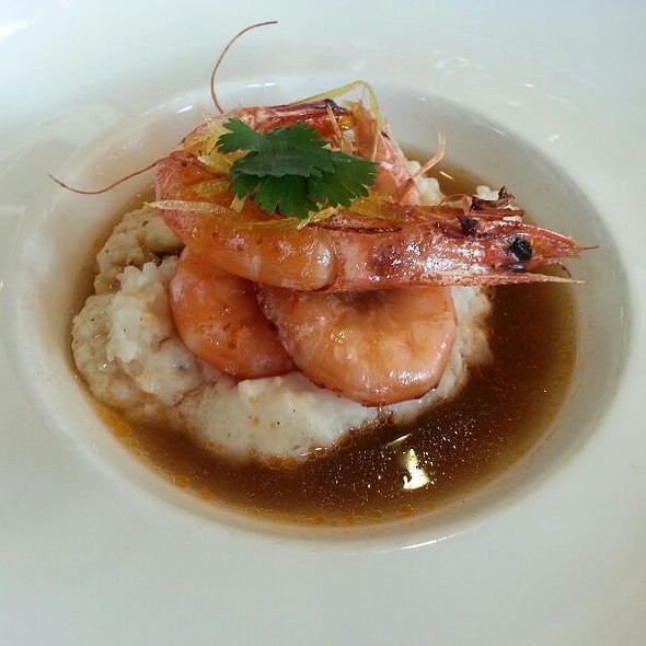Shrimp and Grits @ Muss & Turner's Inc