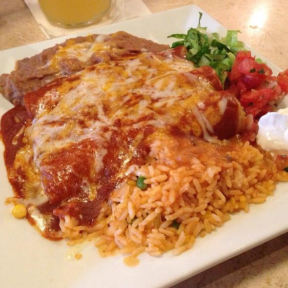 Chicken Enchiladas @ Binni & Flynn's