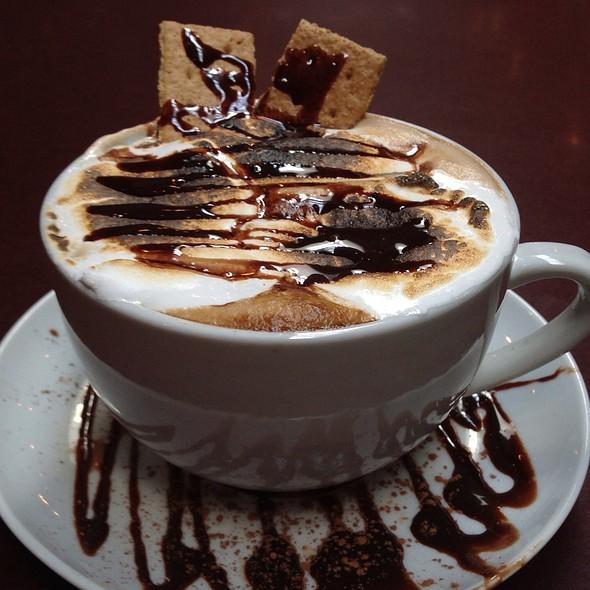 Smores Hot Chocolate @ Hash House A Go Go