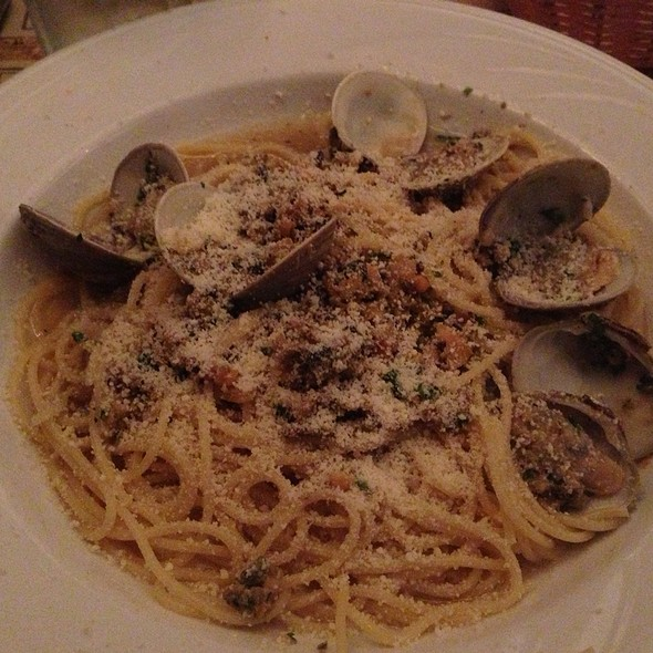Spaghetti With Clams In White Sauce - Ralph's Italian Restaurant, Philadelphia, PA