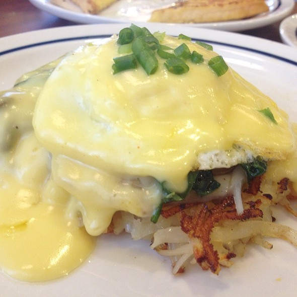 Spinach Poached Egg With Hash Brown @ Ihop