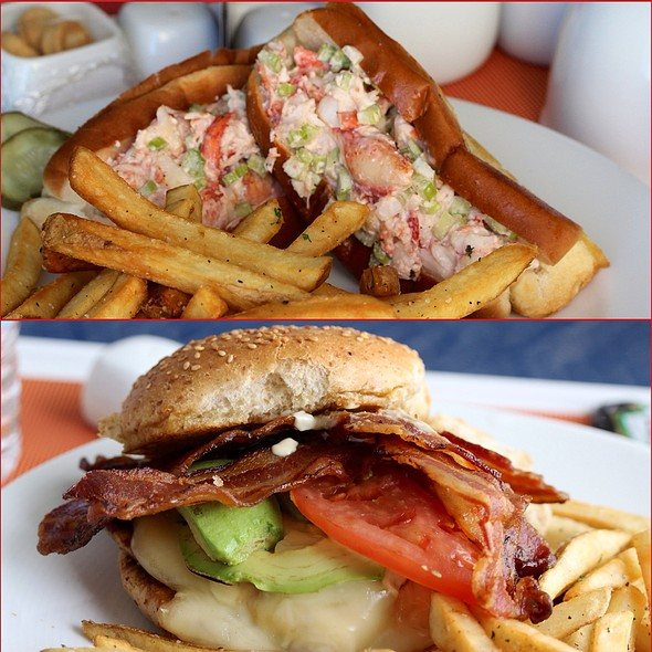 Lobster Rolls & Grilled Chicken Avocado Burger @ 606 Congress