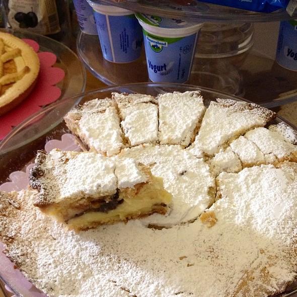 Torta Della Nonna @ Sorrento Flats B&B