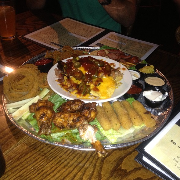 Wagon Wheel Sampler @ Double J Smokehouse And Saloon