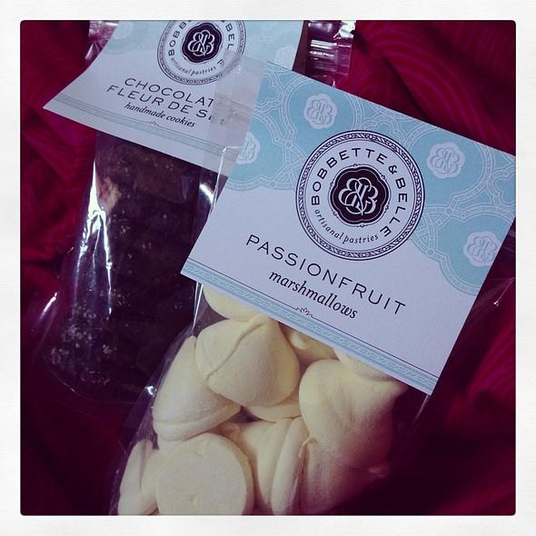 Passion Fruit Marshmallow & Chocolate Fleur De Sel Cookies @ Bobbette & Belle