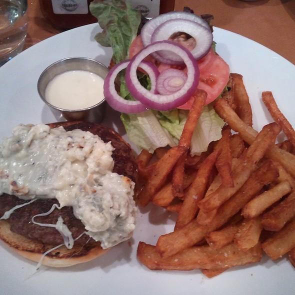 Burger - Benchmark Restaurant, Brooklyn, NY