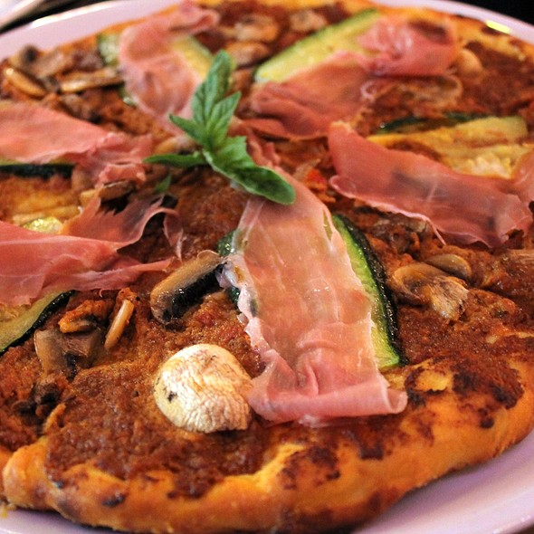 Pizza Prosciutto @ Flavio's Brick Oven and Bar