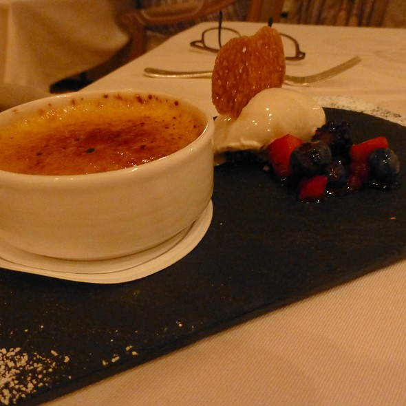 Irish Whiskey & Golden Raisin crème Brûlée w. Guinness Ice Cream