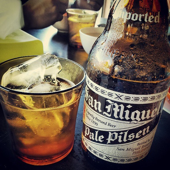 w San Miguel @brandonyong84 @ Scuba Junkie Bar & Restaurant