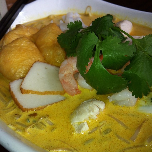 Singapore Laska Noodle @ Banana Leaf on Denman