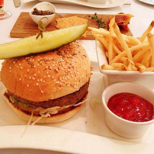 10 Oz American Wagyu Beef Burger - The Georgian, Seattle, WA