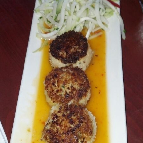 Dungeness Crab Cakes - Elliott's Oyster House, Seattle, WA