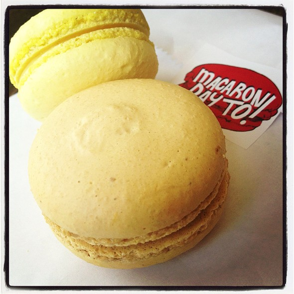 Passionfruit & Salted Caramel Macaron @ Bobbette & Belle