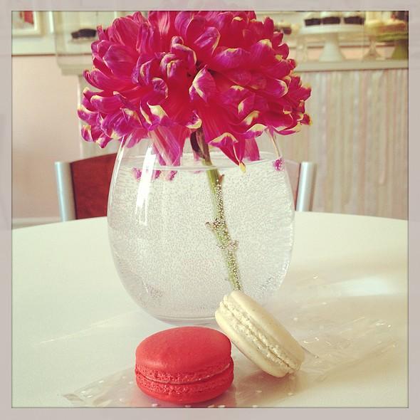 Red Velvet & Earl Grey Macaron @ The Wedding Cake Shoppe