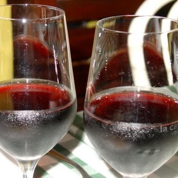 Fragolino Wine @ La Bomba