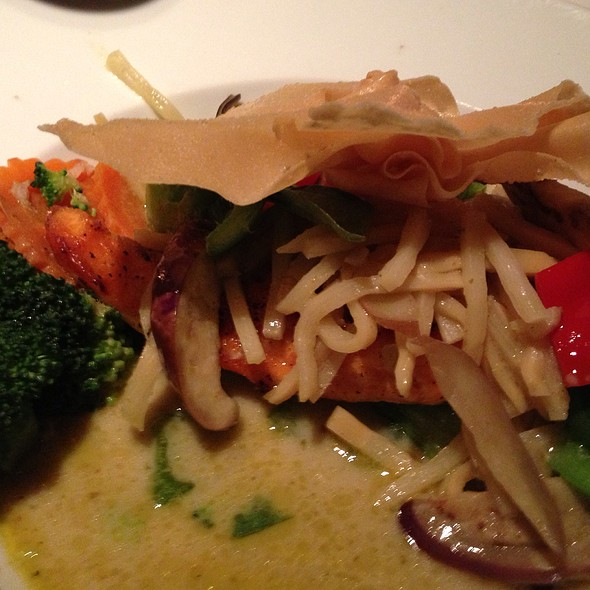 Green Curry Salmon @ Thainy