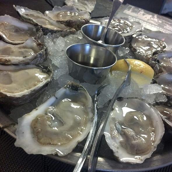 Oysters! @ Rappahannock Oyster Bar