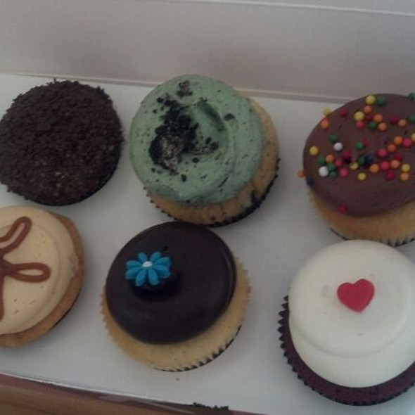 Assorted cupcakes @ Georgetown Cupcake